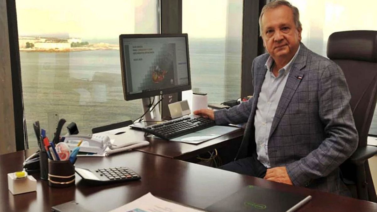 El jefe del centro de Salvamento Marítimo coruñés, Roberto Ricardo Pereira.   | // LA OPINIÓN