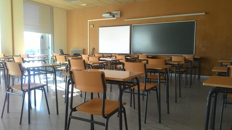 Padres de alumnos de La Candelaria, extrañados porque sus hijos vayan a clase donde se detectó un positivo