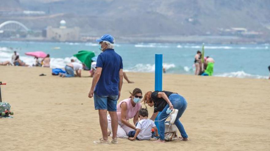 Los niños ayudan a salvar vidas en la playa