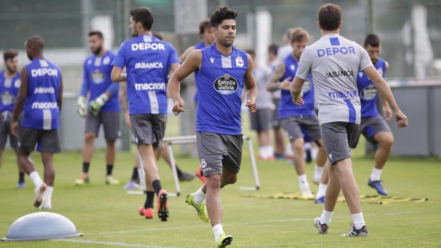 Juanfran rescinde su contrato con el Deportivo