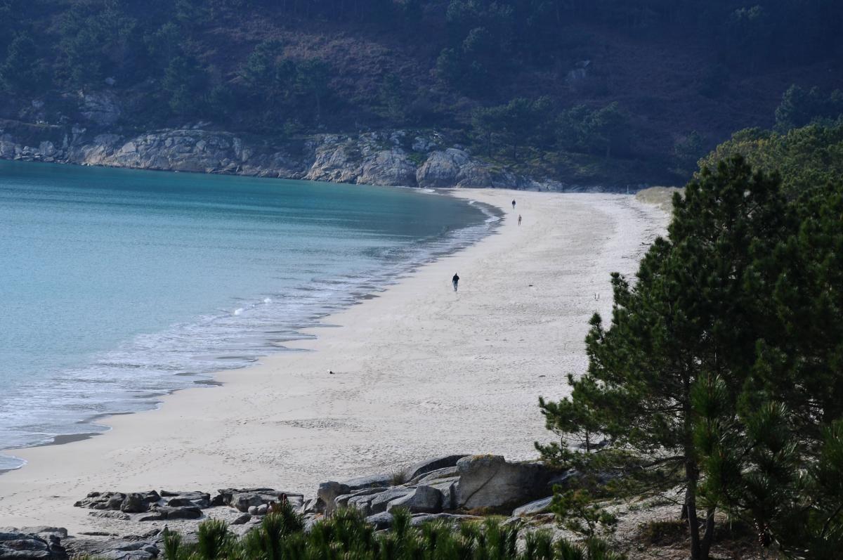 Vista general de la playa de Barra en Cangas do Morrazo..jpg