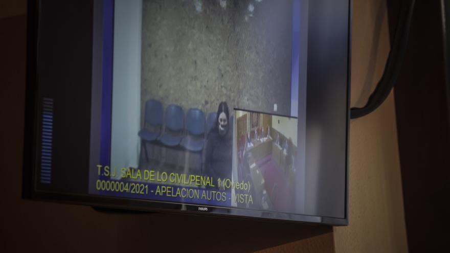 """""""La víctima no sufrió"""", dice la defensa de la mujer que mató a su novio de 35 puñaladas en Lugones"""