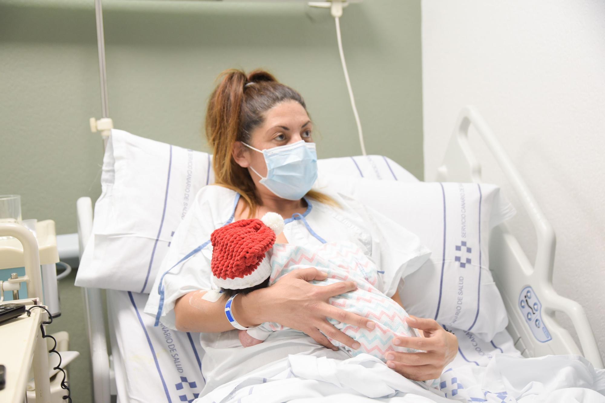 Sara, first baby born in Tenerife in 2021