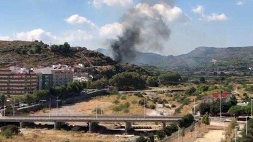 Incendio en la ladera del Castillo de Sagunt