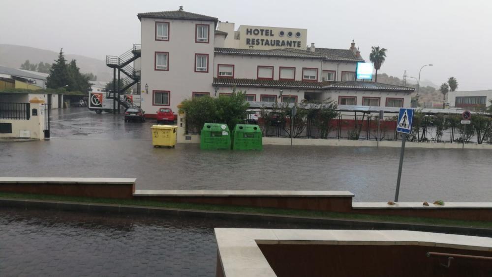 La lluvia ha causado importantes daños en la comarca de Antequera.
