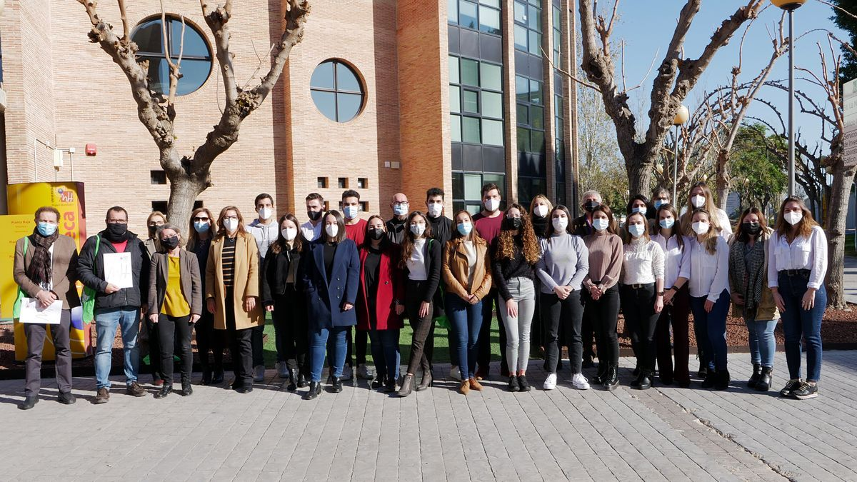 Participants in the contest of the UMH of Elche.