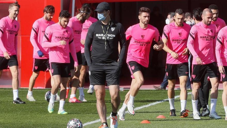 Primer asalto entre Sevilla y Borussia, equipos con rachas opuestas