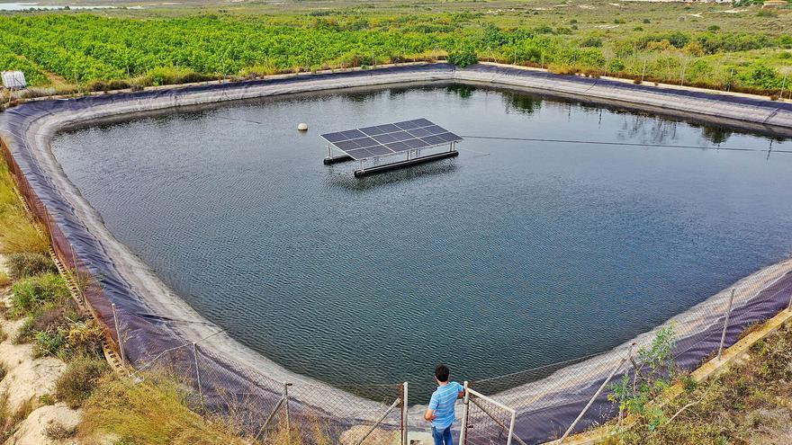 Aumenta la demanda del riego solar fotovoltaico por el alto coste de la electricidad y el gasoil