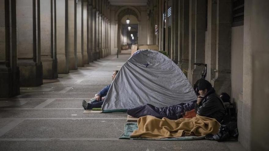 Mujeres sin hogar I Al borde del abismo
