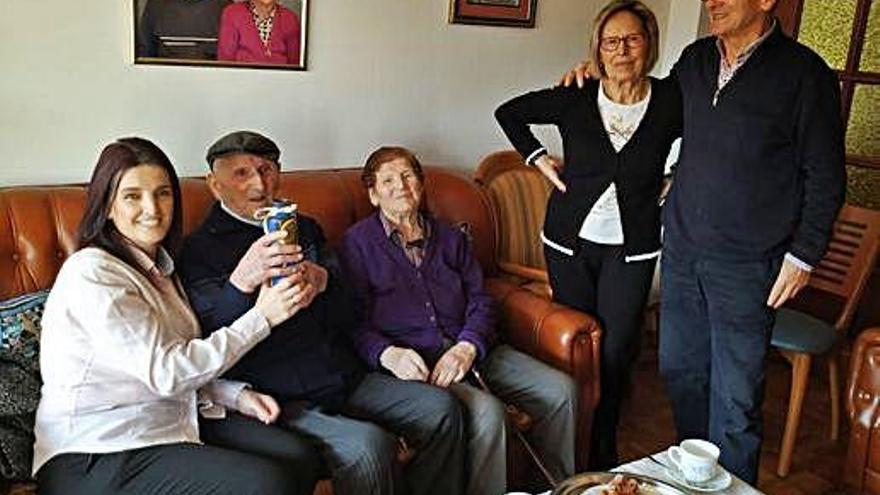Jesús Vázquez celebra en O Burgo sus 104 años