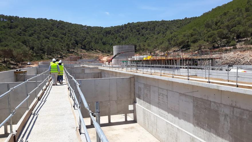 El Gobierno fija ahora en 2023 la puesta en marcha de la nueva depuradora de Ibiza