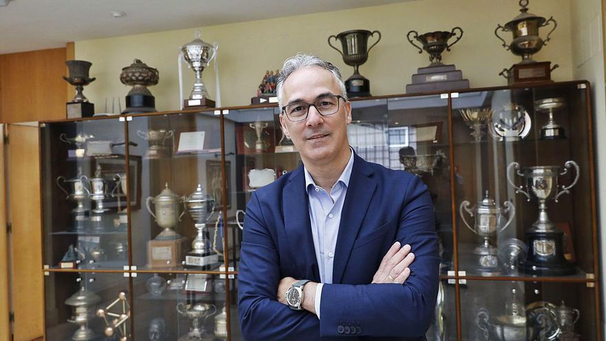 Miguel Torrecilla, el hombre de los 40 fichajes en el Sporting, la última bala del Zaragoza