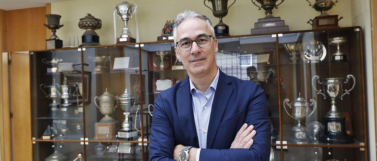 Miguel Torrecilla, en las oficinas del Sporting en Mareo.   Ángel González