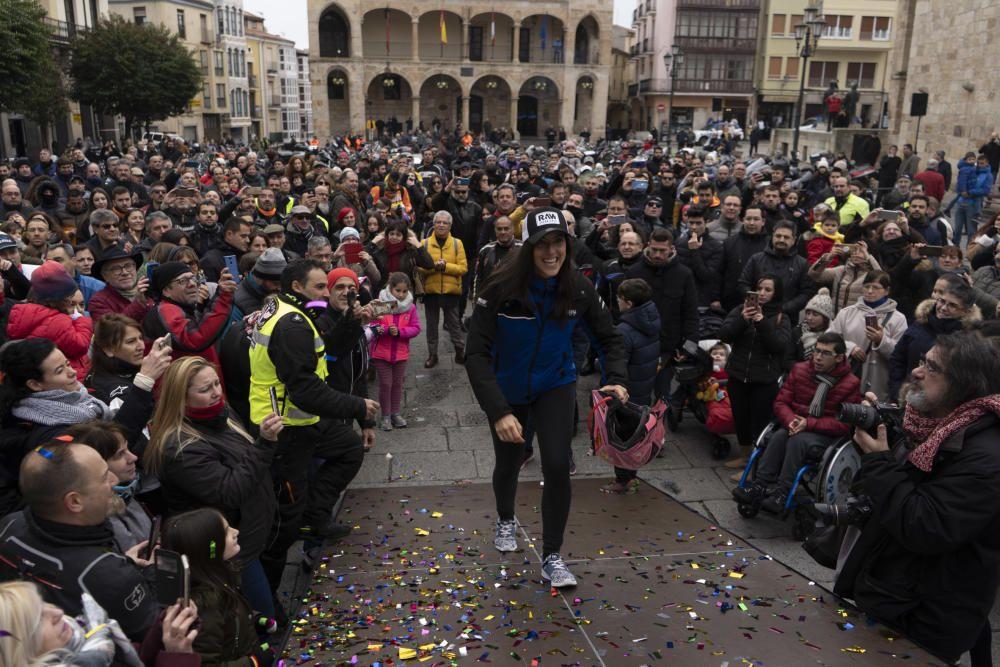 Recibimiento Sara García en la Plaza Mayor