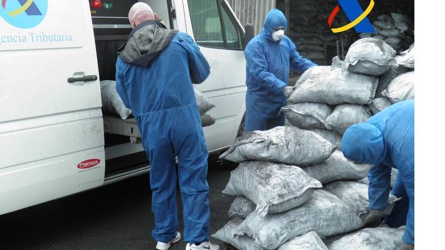Absueltos los acusados por un alijo de 138 kilos de cocaína que llegó entre carbón a Vigo