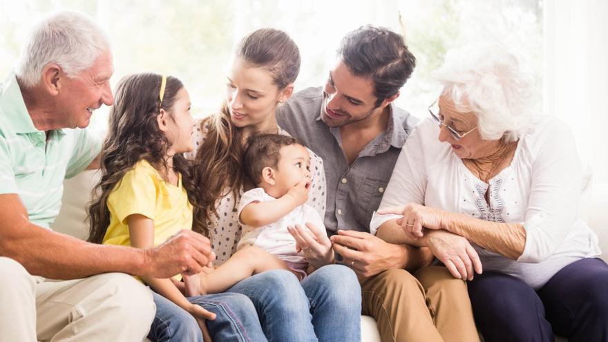 Así serán las limitaciones de las reuniones familiares en casa