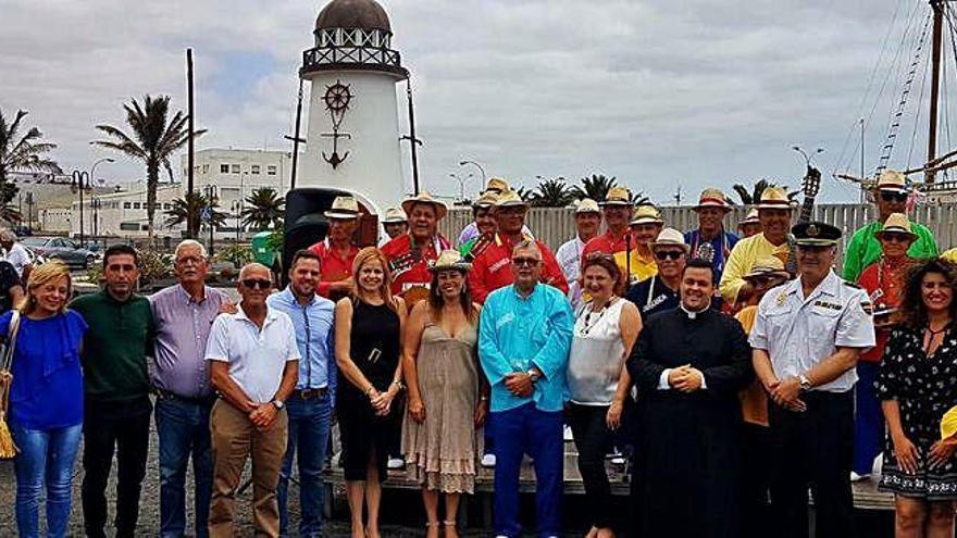 La capital recuerda a las víctimas del 'Cruz del Mar' en las fiestas de la patrona de los marineros
