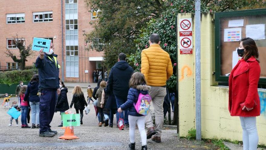 Los colegios gallegos suman otros 200 positivos y ya superan el centenar de aulas cerradas