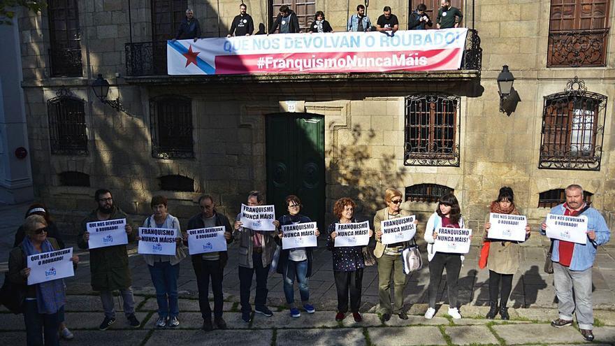 Multa de 180 euros a ocho de los nueve activistas que ocuparon la casa Cornide