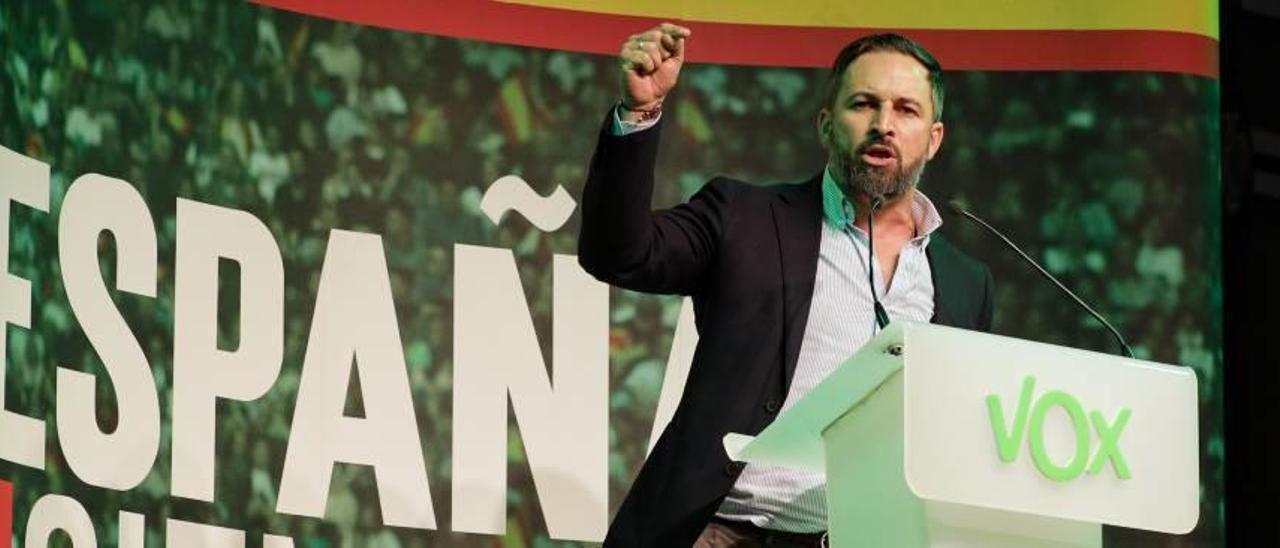 El presidente de Vox y candidato a la Presidencia del Gobierno, Santiago Abascal, en su intervención ayer en València.