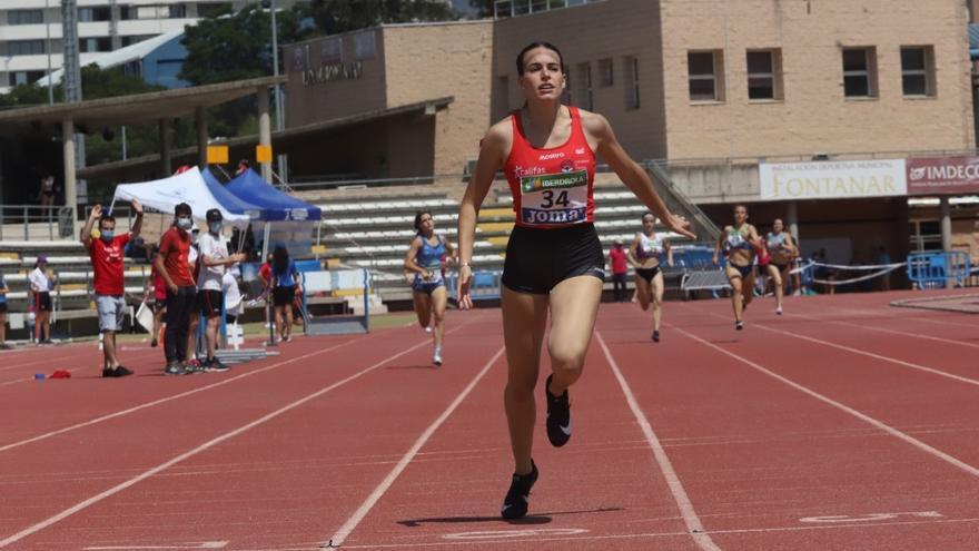 La atleta Carmen Avilés logra un bronce en el Campeonato de España y una plaza en el Europeo