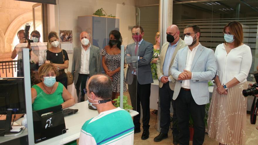 La Oficina de Registro de Lorca se abre a las personas con discapacidad auditiva