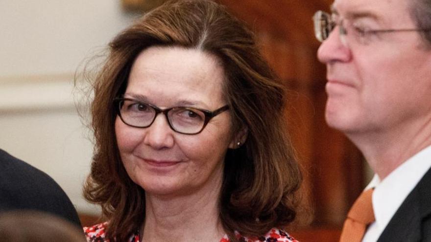La candidata de Trump para la CIA renuncia por participar en torturas a detenidos