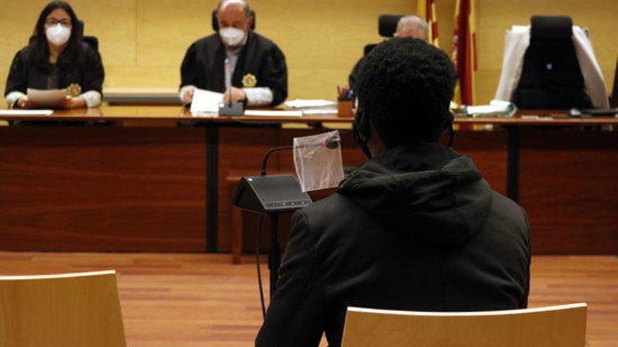 Jutgen un venedor de droga per violar a Figueres una clienta que estava inconscient