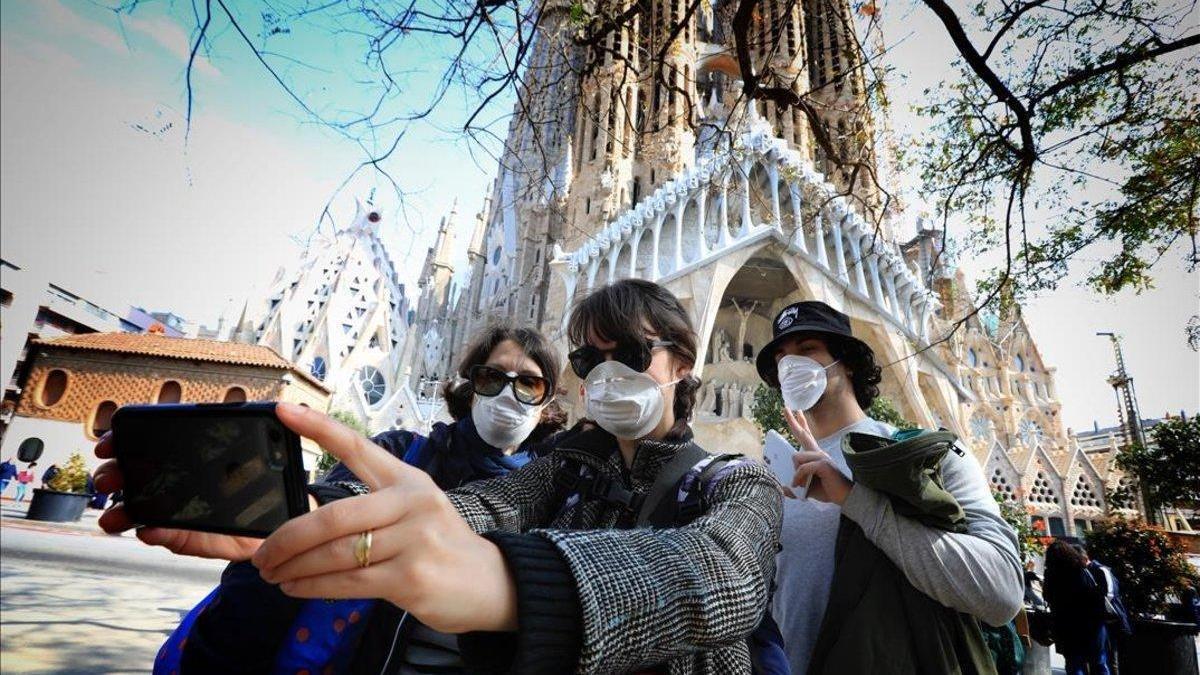 Las agencias de viaje dicen que la anulación del Imserso transmite que España no es segura