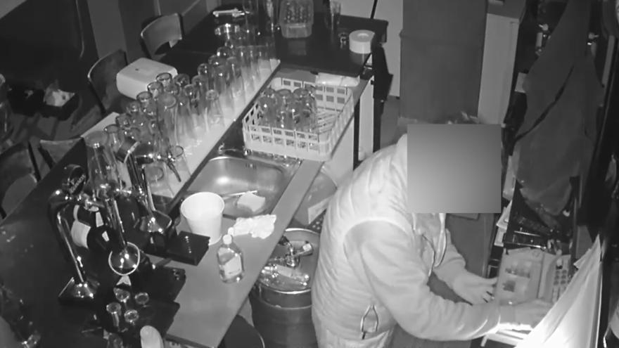Dos detenidos por asaltar una docena de restaurantes en Santa Pola y Almoradí