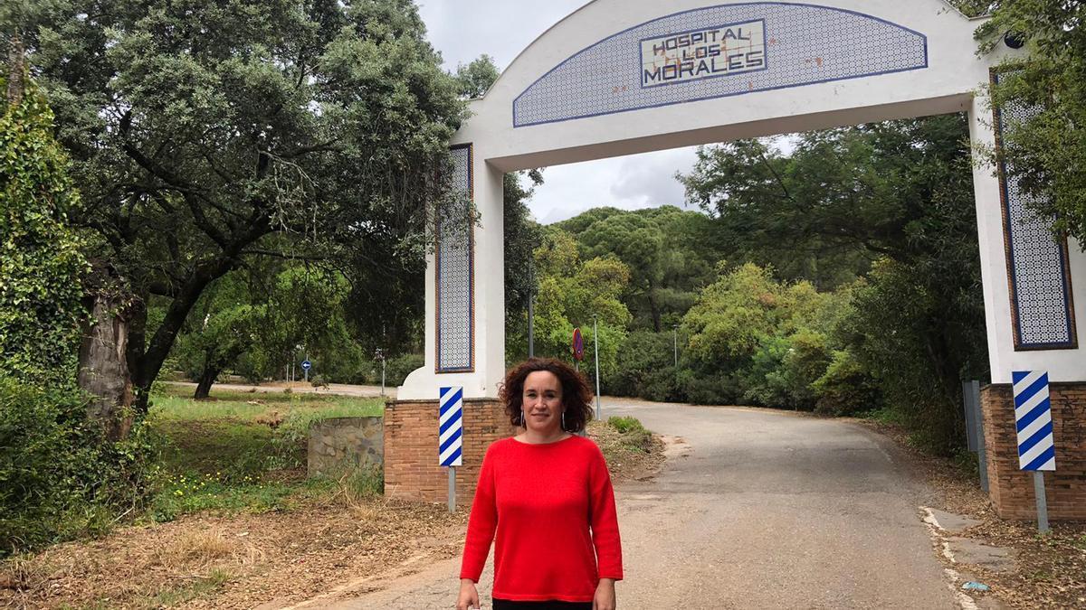 La parlamentaria Ana Naranjo en el Hospital Los Morales