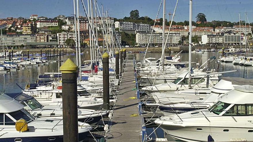 El Puerto Deportivo evita una multa de 25.000 euros por un defecto formal