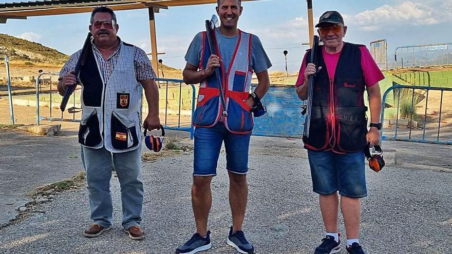 Javier Giner gana en la prueba de tiro al plato celebrada en El Tollo de Vallada