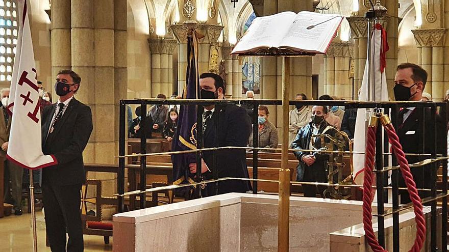 Rezos y aleluyas en San Pedro por la Resurrección de Cristo