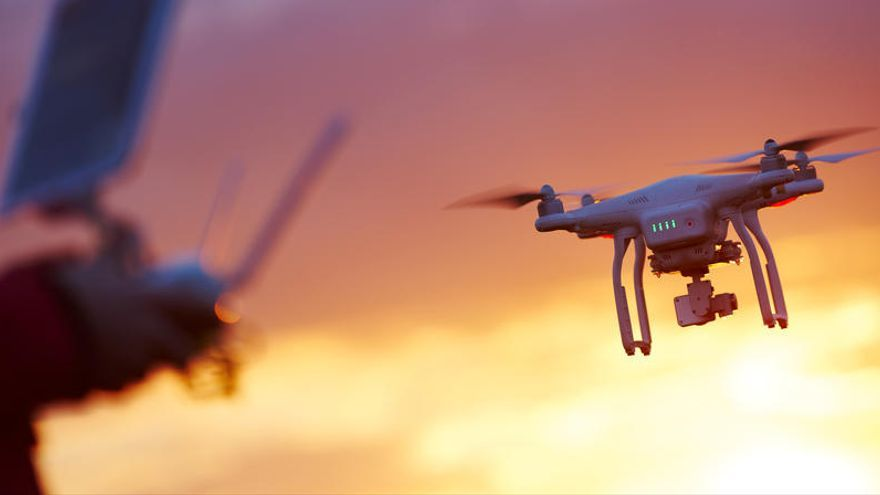 """Arabia Saudí intercepta un dron """"cargado de bombas"""" lanzado por los huthis"""