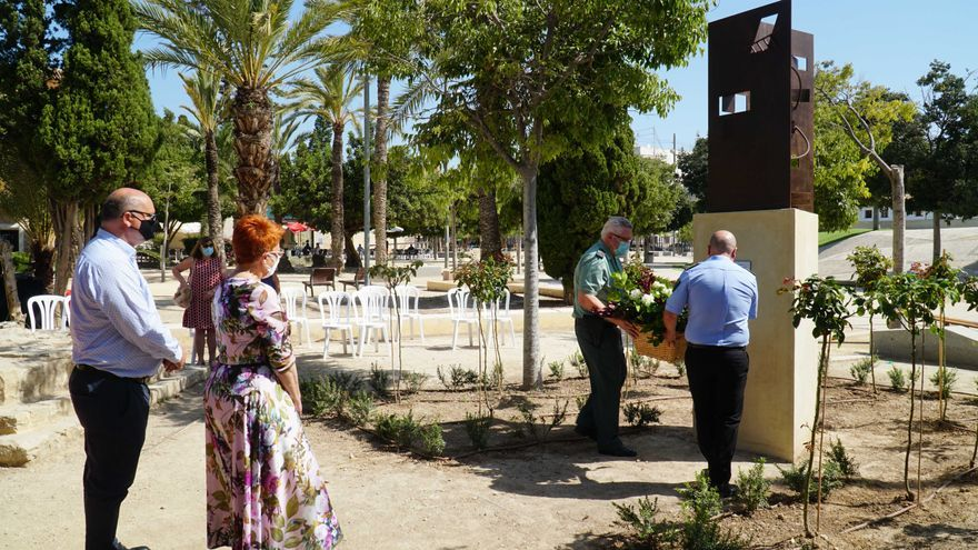 La Vila Joiosa homenajea a los sanitarios y a los vecinos en general por su entrega y solidaridad durante la pandemia