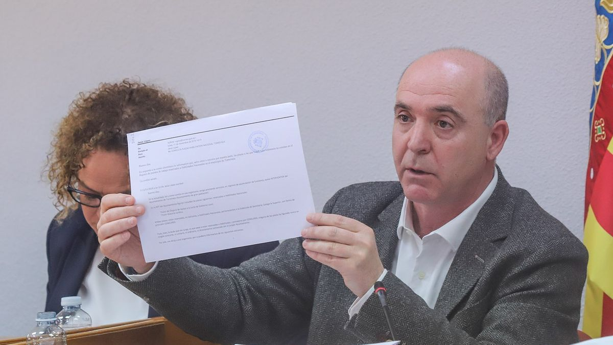 The director of the Legal Services of the Torrevieja City Council, Jesús López, when he served as accumulated auditor, during a plenary session