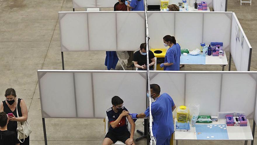 Els punts de vacunació massius de Girona tancaran el 30 de setembre i la campanya es concentrarà als CAP