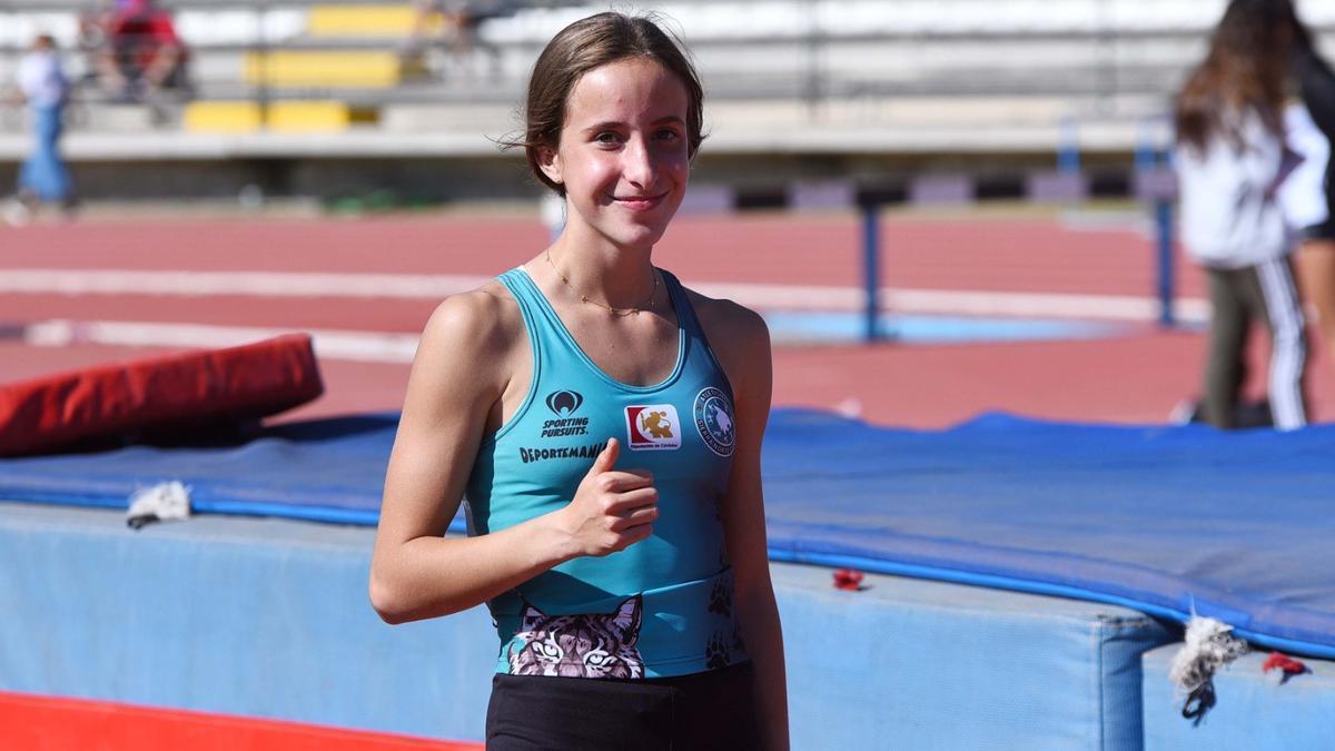 Cristina López, campeona de España de salto con pértiga, en El Fontanar.
