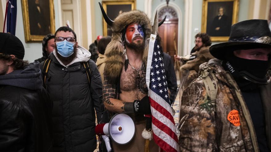 """Mandos de la Policía del Capitolio: """"Estos criminales vinieron preparados para la guerra"""""""