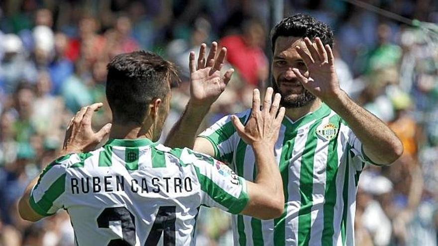 """Molina defiende a Rubén: """"Hay que fijarse en el rendimiento y no en el DNI, puede jugar los 90 minutos"""""""