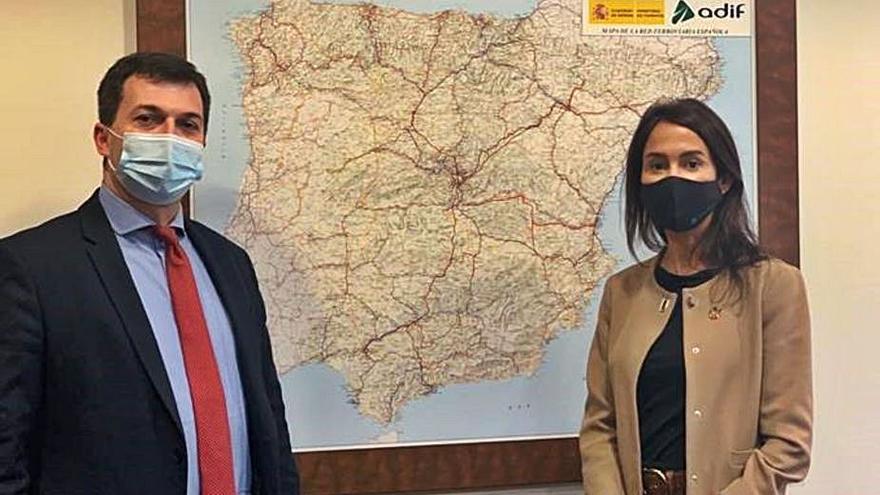 Caballero sostiene que el AVE llegará a Galicia en 2021 pese a los retrasos del PP