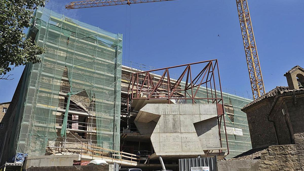 El Museu del Barroc ha d'emplaçar a l'antic col·legi de Sant Ignasi, que s'està rehabilitant | ALEX GUERRERO