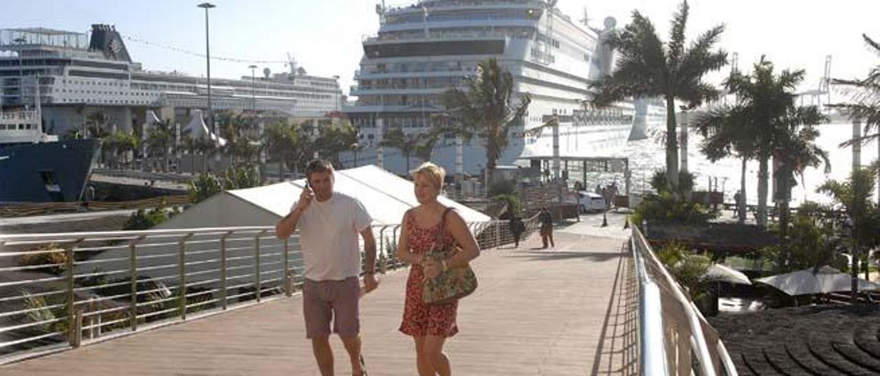 El Puerto logra un récord histórico  al recibir en un año 589.510 cruceristas