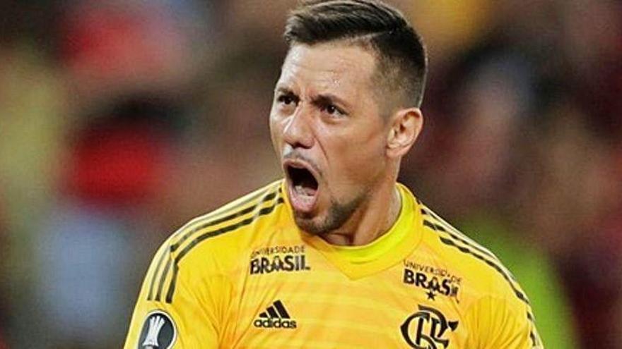 Diego Alves negocia su futuro