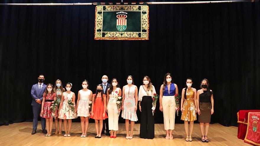 Presentación de bellezas y damas en San Vicente