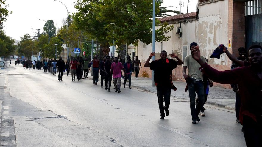 Marruecos evita otro salto de 150 migrantes a la valla de Melilla