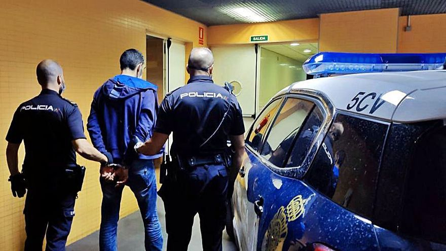 Atraca una ferretería de Alicante tras ser recriminado por no llevar la mascarilla