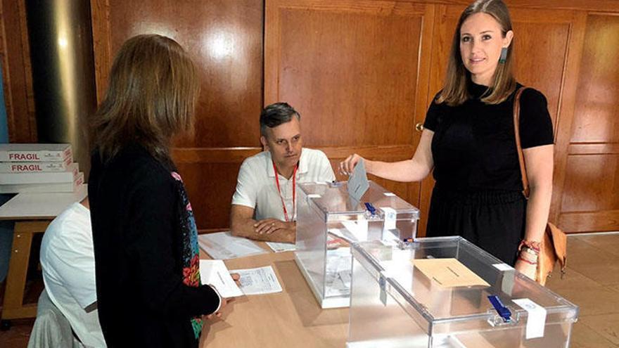 Melisa Rodríguez (Cs) dice que hay que ir a votar porque es un día crucial para España