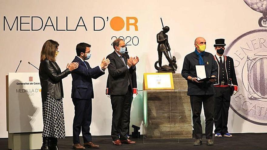 La Generalitat homenatja Lluís Llach i Maria Teresa Codina